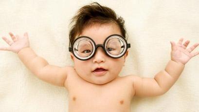 矫正视力的方法:镜片矫正