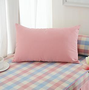 粉色长方形抱枕