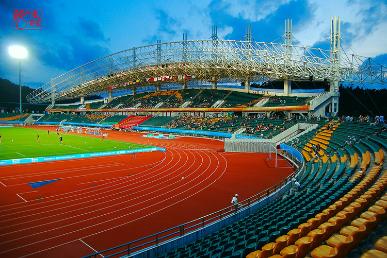 即体育场,体育馆,游泳馆和室外网球场,篮球场,排球场等附属体育设施.