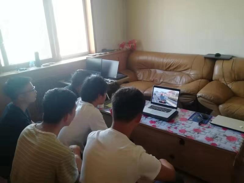四川省测绘技术服务中心员工观看祖国70华诞阅兵仪式