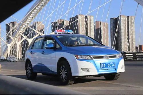 Taiyuan on the byd electric taxi, over 8000