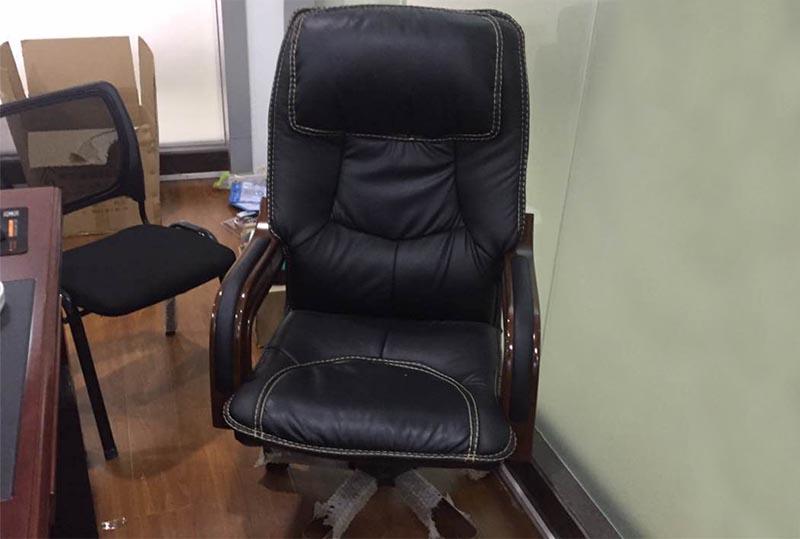 皮质舒适大班椅、老板转椅