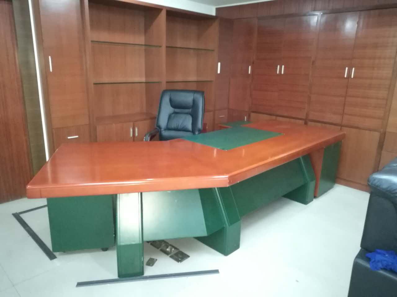 合步办公桌、老板桌工程案例------光明罗先生