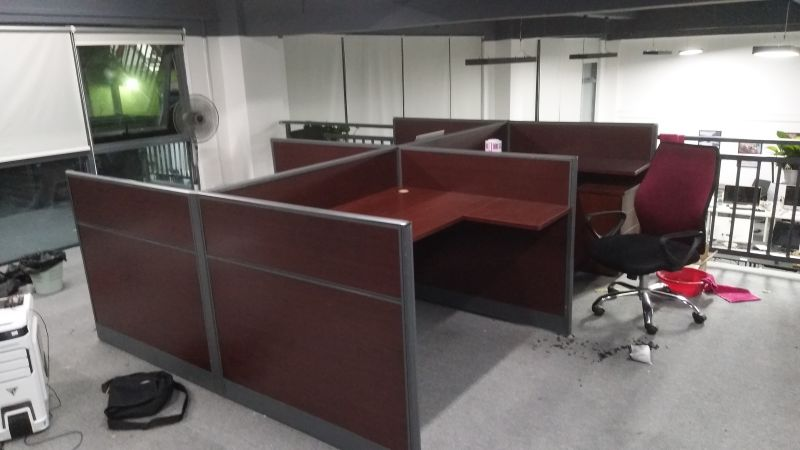 合步办公桌、沙发茶几案例————深圳某网络科技有限公司