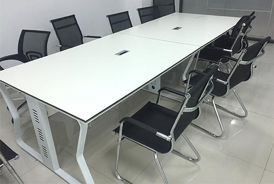 2.4米白色整洁美观长方形会议桌