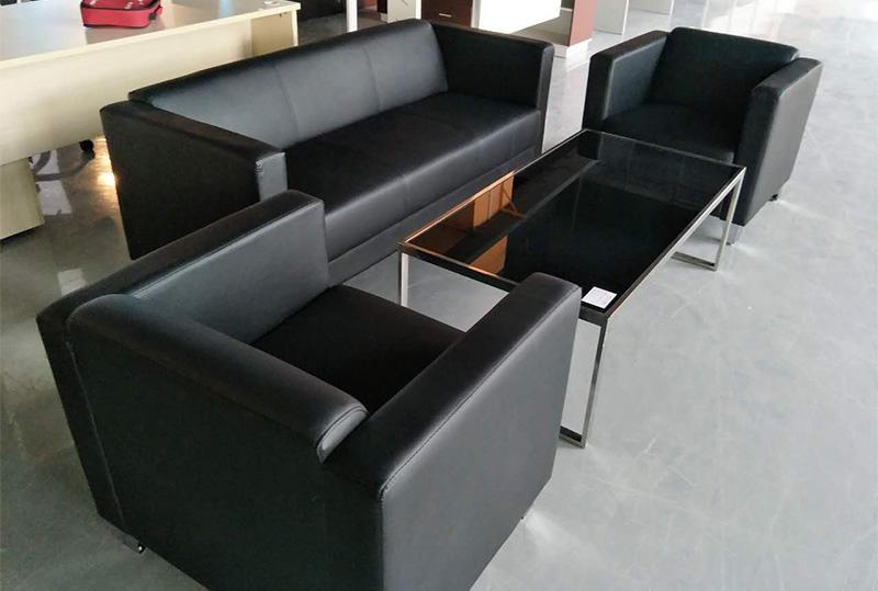 黑色沉稳3+1+1办公皮革沙发