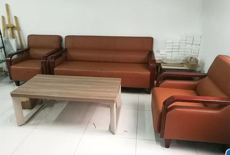 时尚舒适3+1+1皮革办公沙发