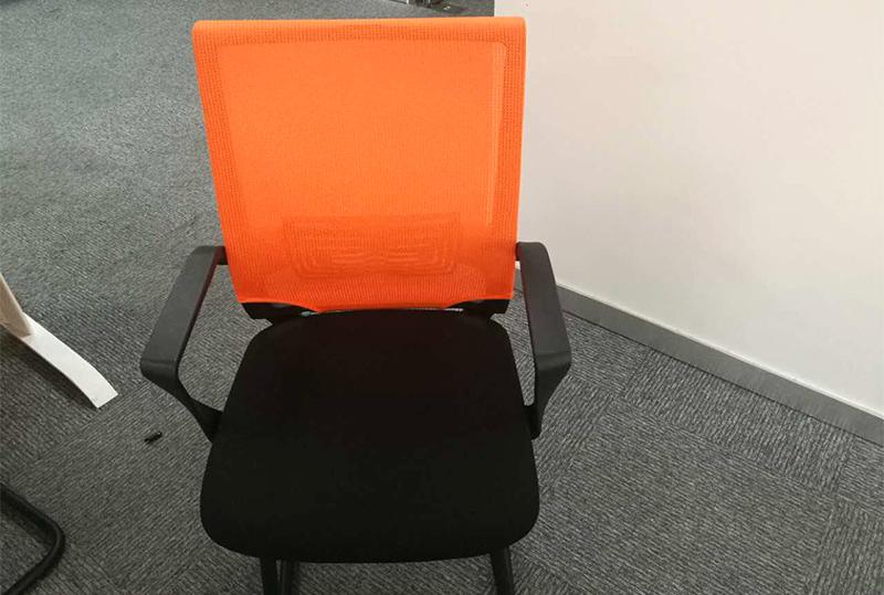 橙色靠背舒适员工办公座椅