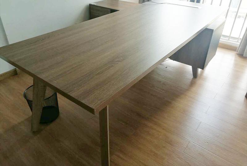 95成新2.2米*0.9米现代简约经理桌