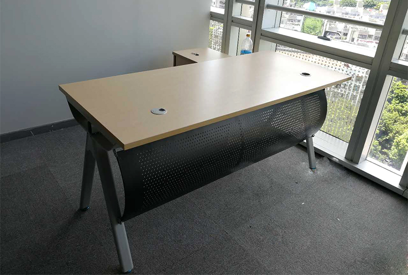 1.6米*0.8米简约现代经理办公桌