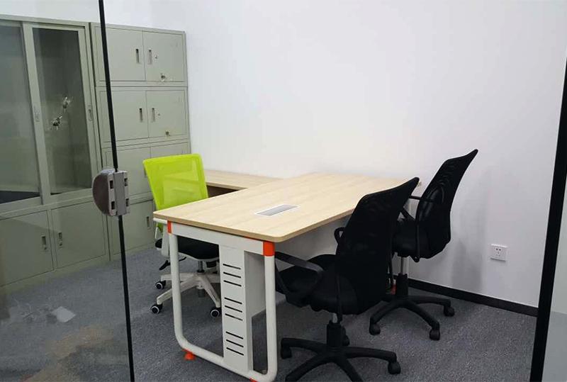 1.5米*1.6米简约经理办公桌