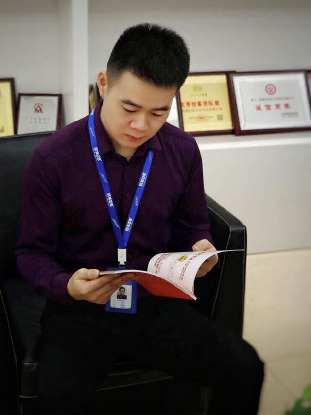 【官方】晓风精英专访系列 | 晓风金融事业部副总经理李钦钊:不安现状,不惧未来