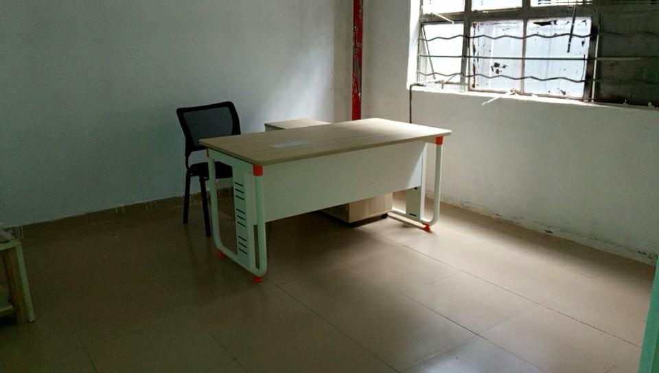 合步二手办公桌、二手老板桌销售安装服务案例——蒲先生