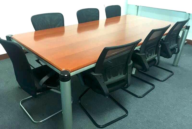2.4米*1.2米95成新长方形办公会议桌