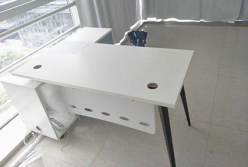 现代时尚带侧柜经理办公桌