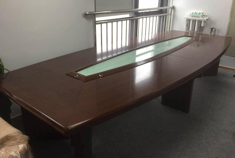 传统红棕色实木办公会议桌