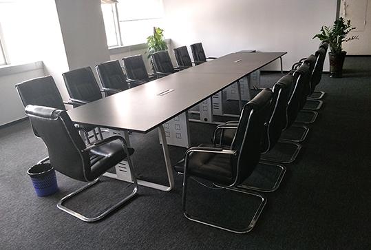 黑色板式长方形办公会议桌