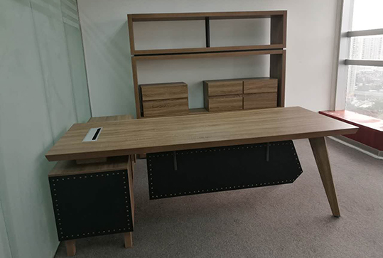 原木色经典复古经理桌、老板桌