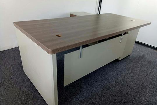 自然得体简约型经理办公桌