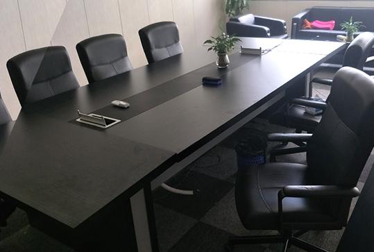 黑色高贵稳重加厚长方形会议桌