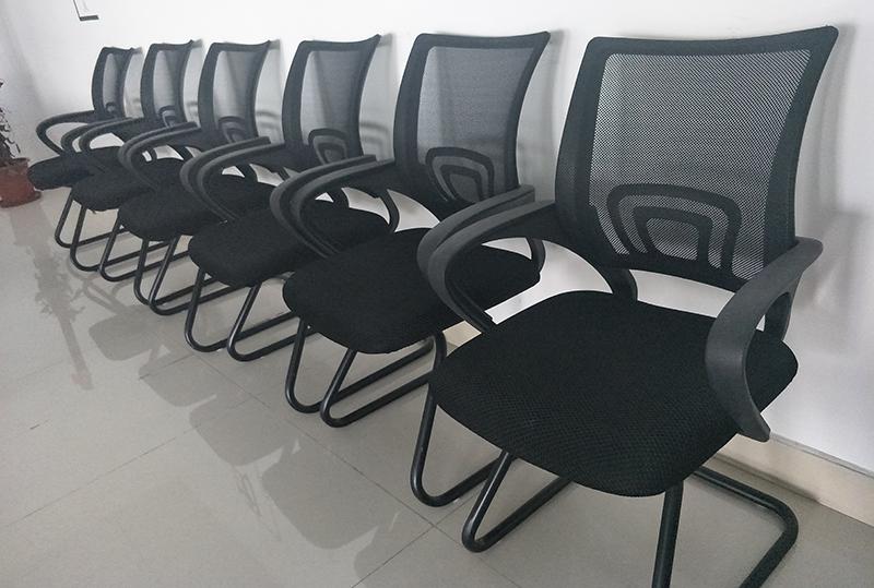 95成新职员办公椅子