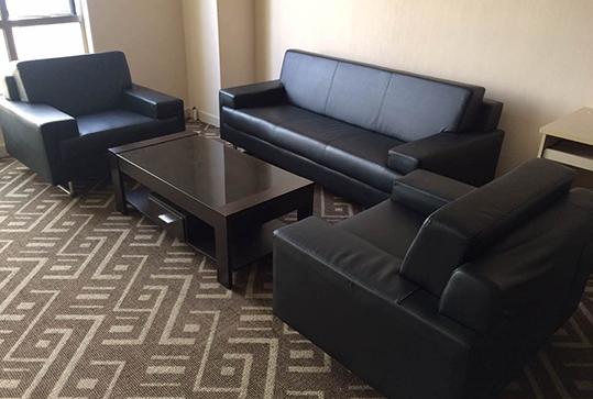 黑色高贵皮质沙发、办公沙发、休闲沙发