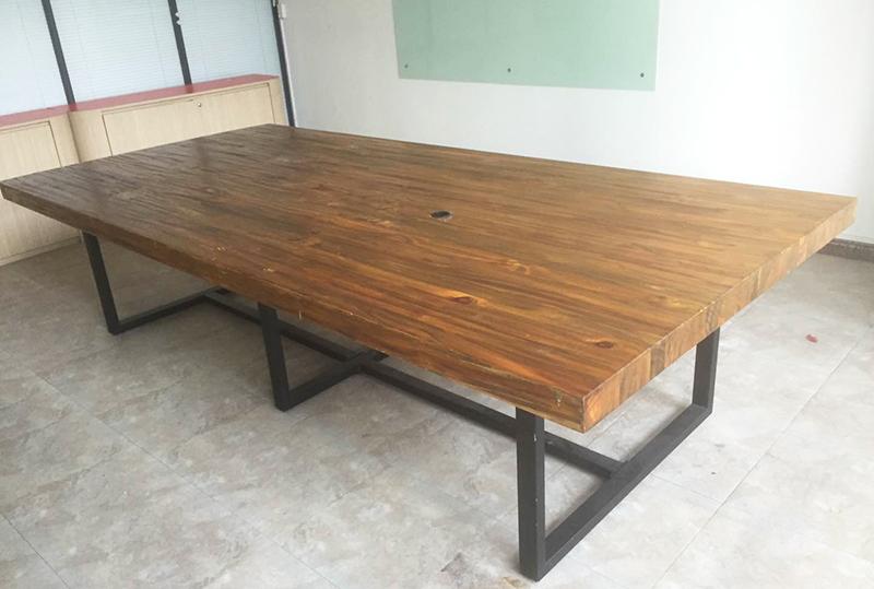 实木稳重大气办公会议桌