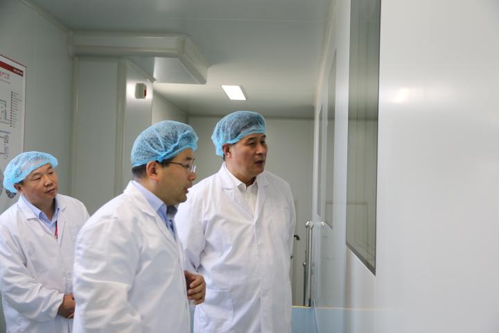 吴江区委常委、开发区党工委副书记徐晓枫专程调研微康生物