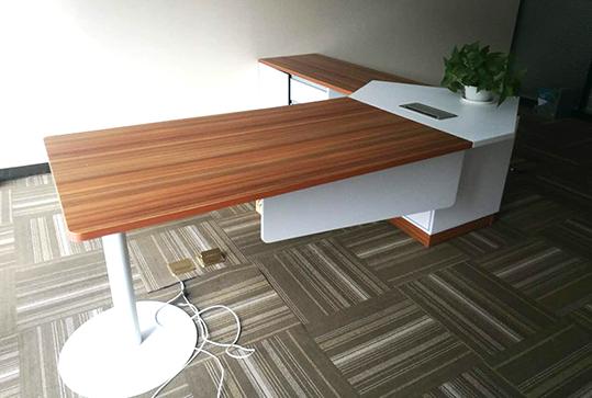 木纹色+白色精致美观经理办公桌
