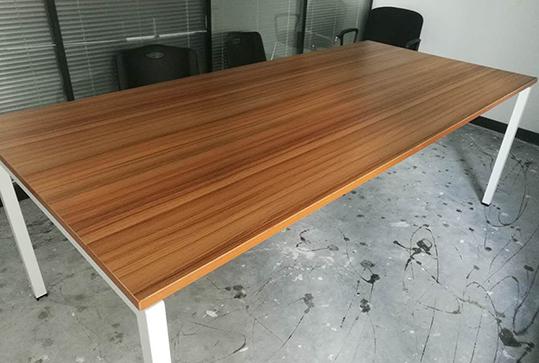 原木色矩形办公会议桌