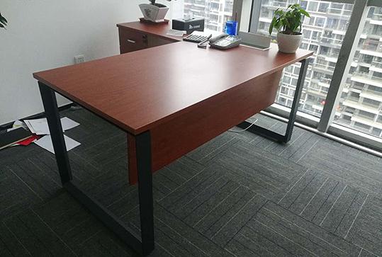 红棕色简约型经理办公桌