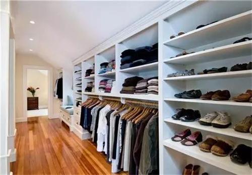斜顶阁楼衣柜鞋柜设计