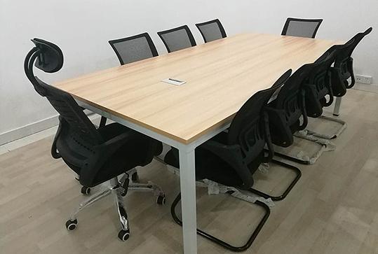 版式员工长方形会议桌