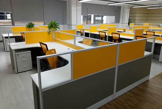 橘黄色明亮员工办公卡座办公桌