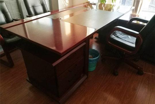 红棕色办公家具大班台老板桌