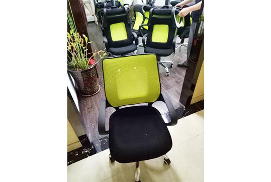 95成新员工靠背办公座椅