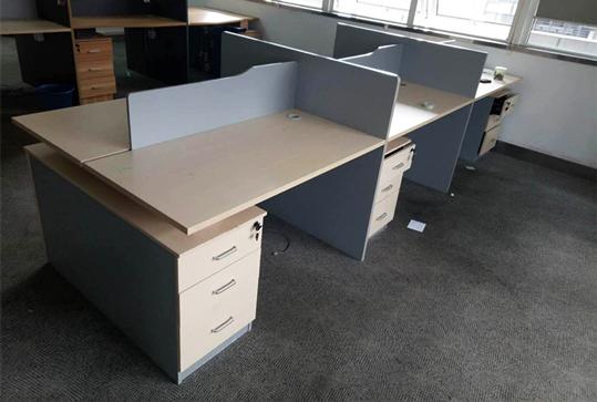 开放式员工办公桌、办公卡位