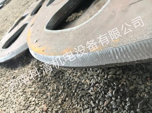 自动行走钢板坡口机在减速机行业圆板开坡口