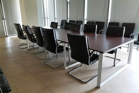 现代简约原木色大型长桌办公会议桌