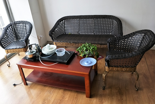 现代简约款休闲镀铜藤椅
