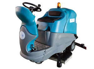 YT9駕駛式洗地機