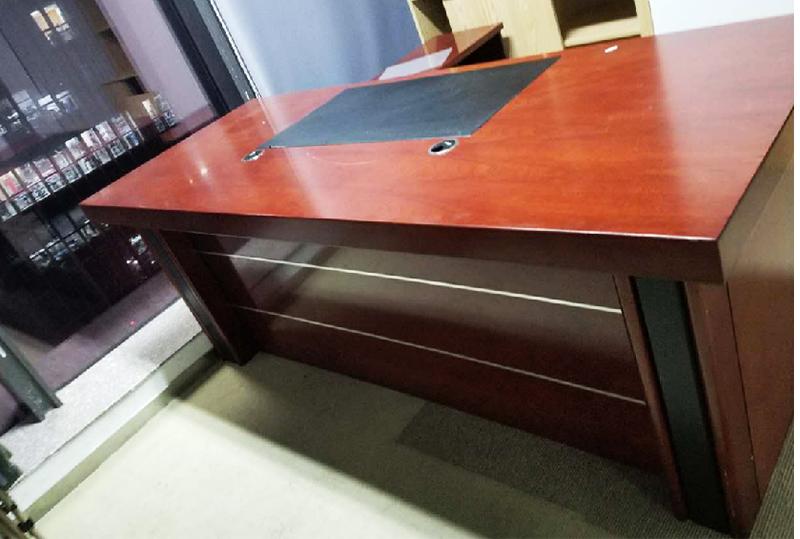 红棕色现代简约型老板桌