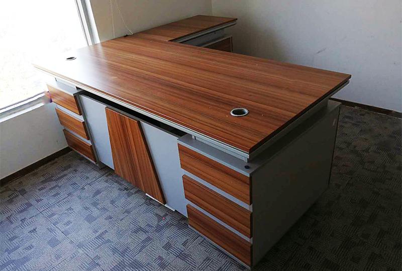 木纹色现代办公经理桌、老板桌