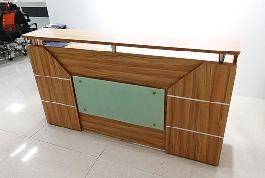 木纹色办公前台
