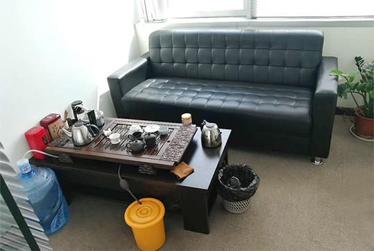 黑色大气时尚办公沙发