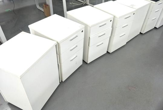 时尚白员工办公储物柜活动柜床头柜