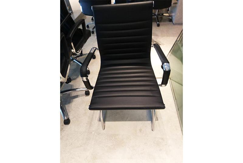 95成新办公座椅、会议椅