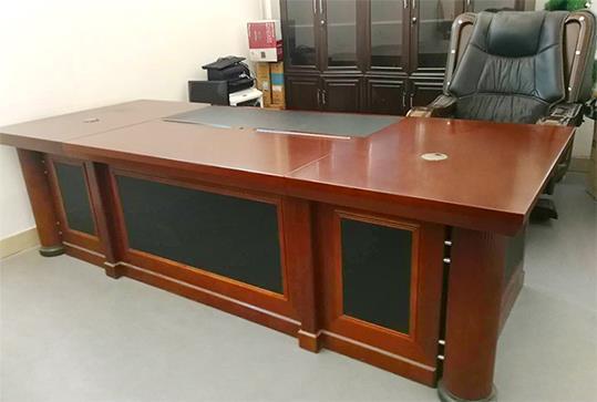 红棕色大气版面老板桌、大班台