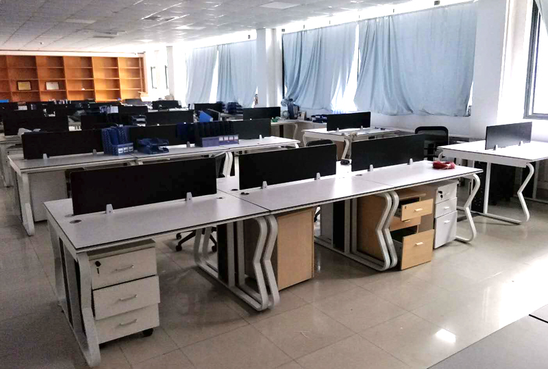 现代简约黑色屏风开放式员工办公卡位职工办公桌