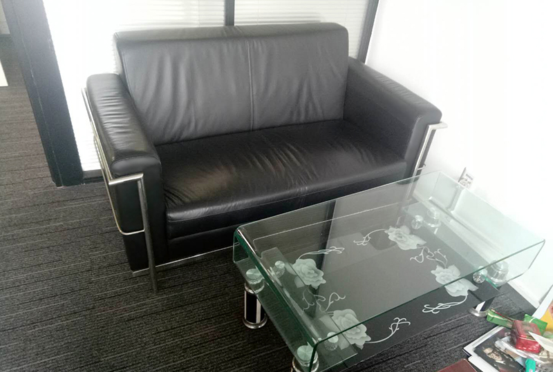 黑色皮革时尚休闲沙发